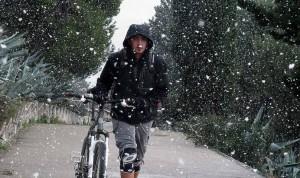 Biciklista na Marjanu po snigu
